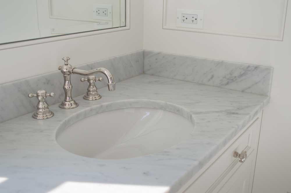Bianco Venatino 3cm Vanity 001