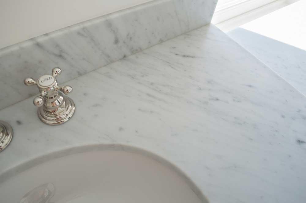 Bianco Venatino 3cm Vanity 004