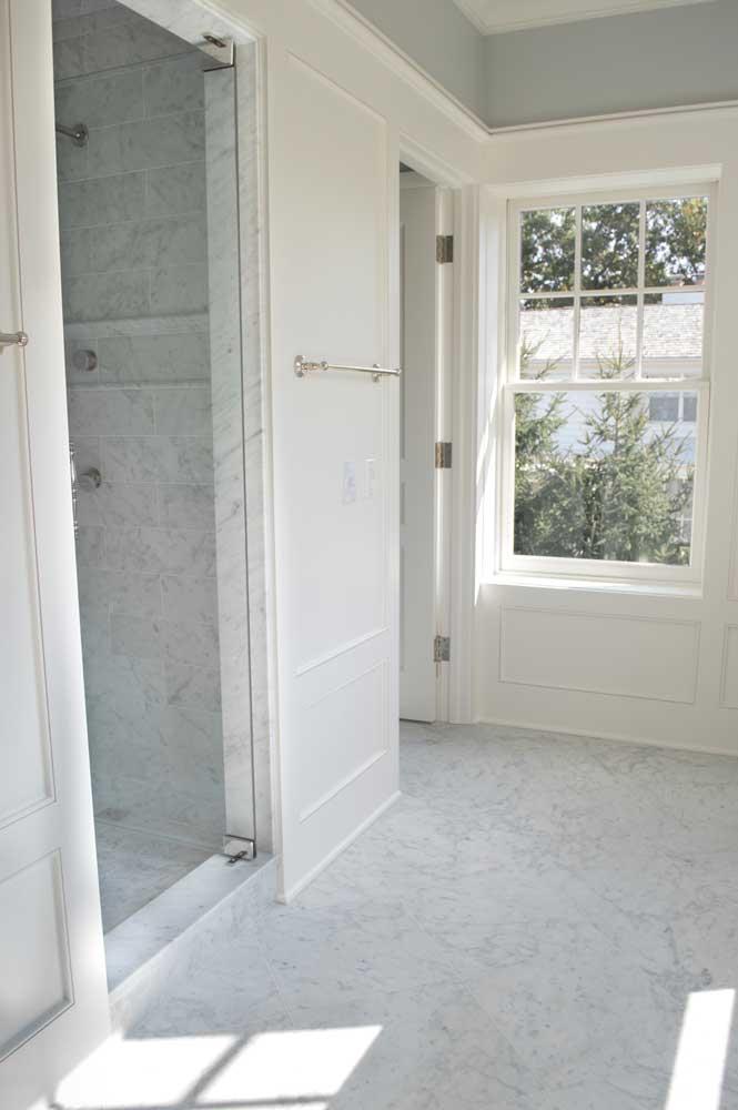 Bianco Venatino Master Bath 003