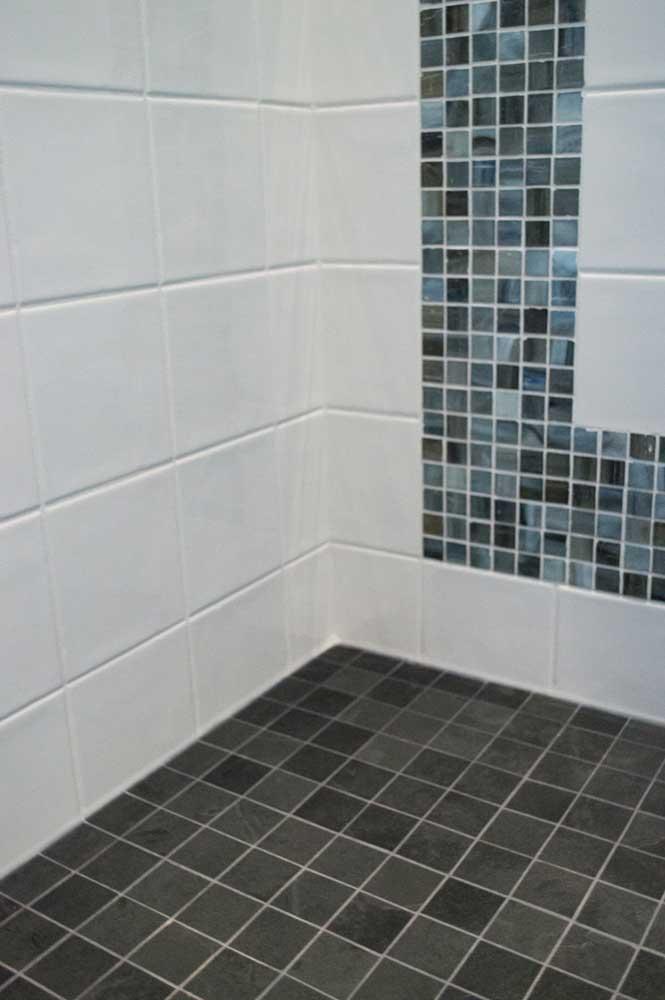 Caithness Ebano Satin Cleft 2x2 Avondale Gloss Ceramic 3x6 6x6 Metta Silk Mosaics 1x1 002